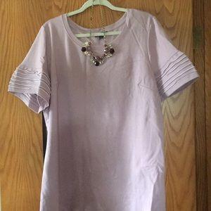Short-sleeved women's knit shirt